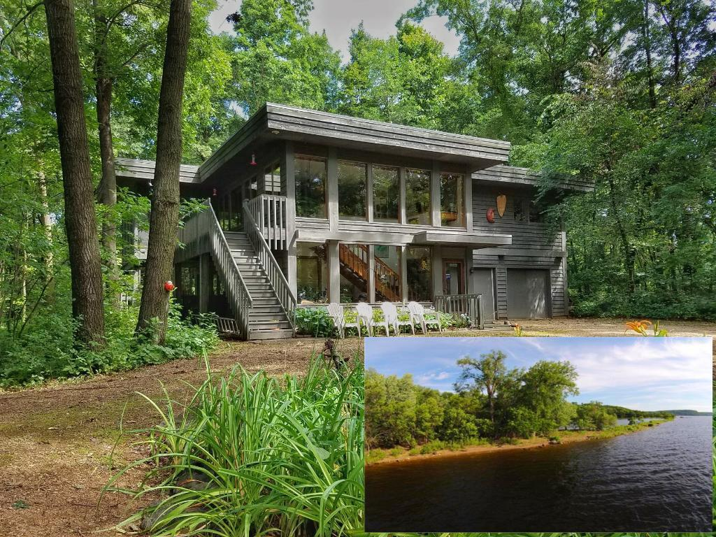 276 West Grove Rd, HUDSON, WI 54016