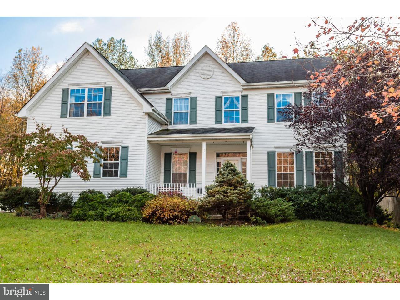 Maison unifamiliale pour l Vente à 13 GASKIN Drive Burlington, New Jersey 08016 États-Unis