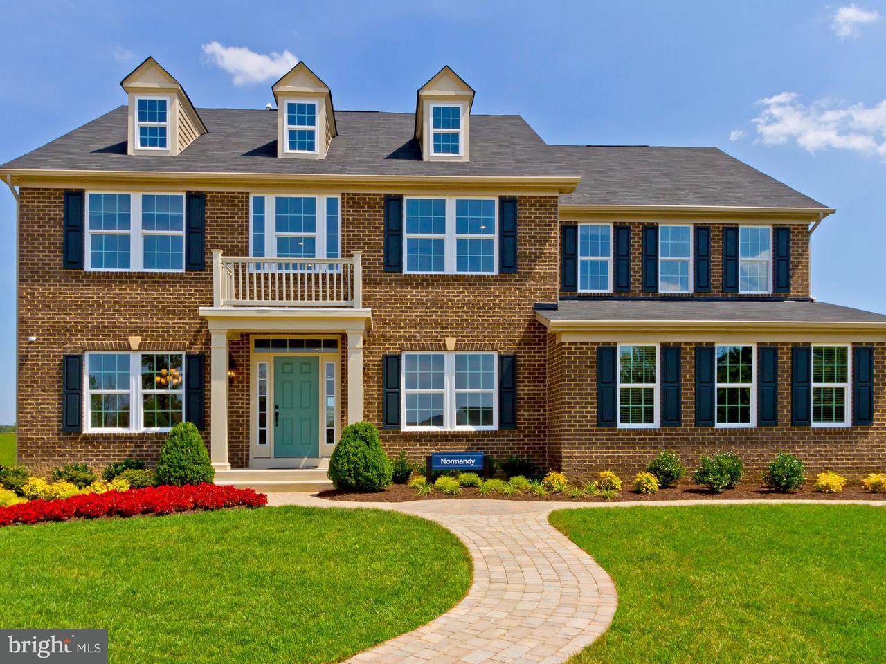 獨棟家庭住宅 為 出售 在 7 HERMITAGE Drive 7 HERMITAGE Drive Fredericksburg, 弗吉尼亞州 22407 美國