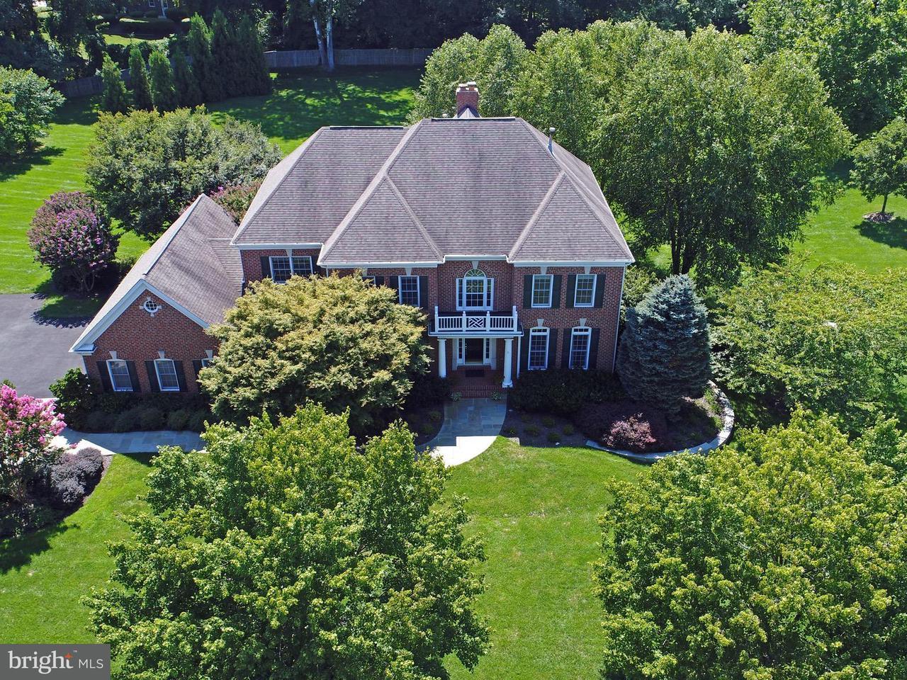 獨棟家庭住宅 為 出售 在 2796 MARSHALL LAKE Drive 2796 MARSHALL LAKE Drive Oakton, 弗吉尼亞州 22124 美國