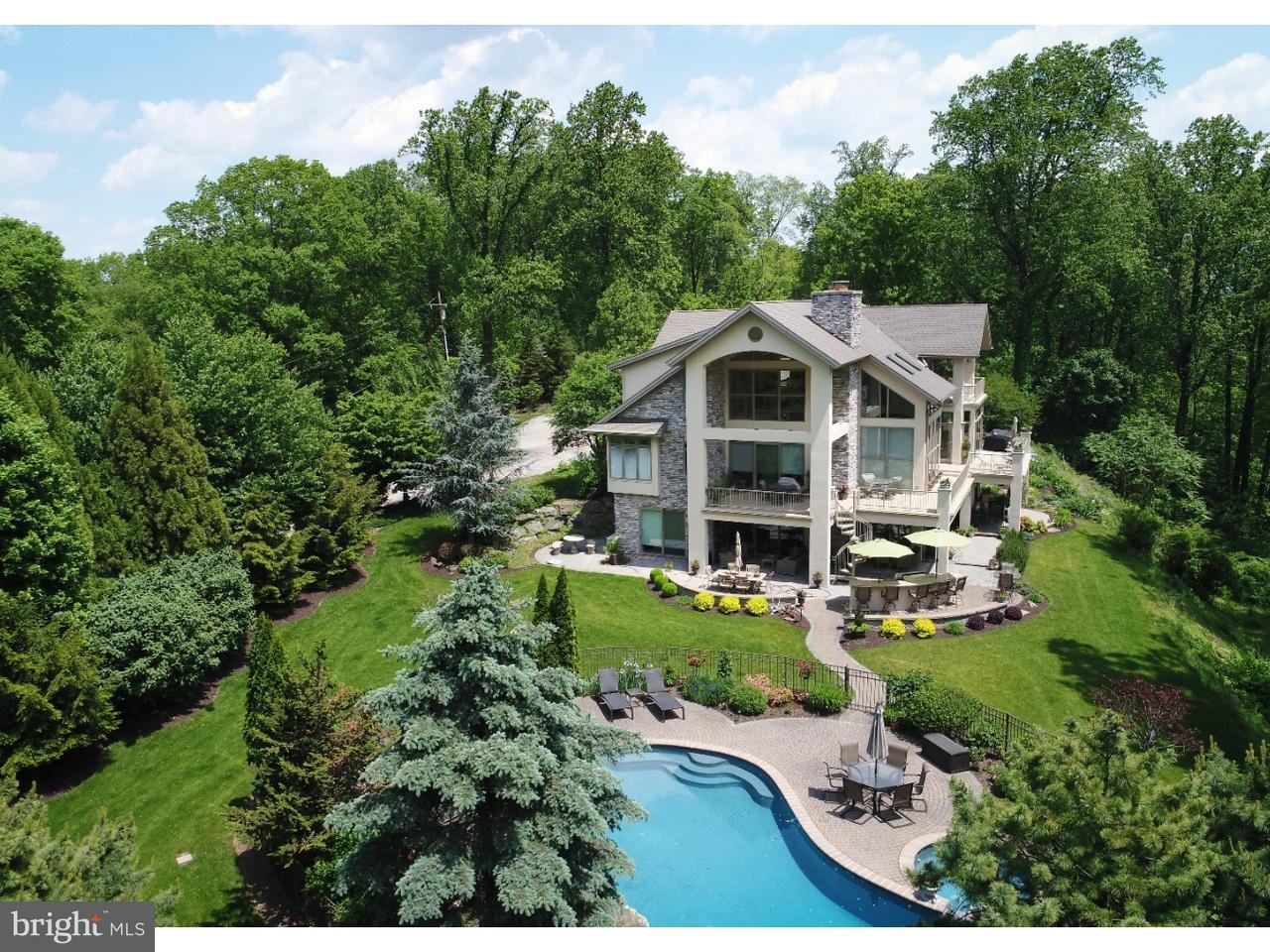 独户住宅 为 销售 在 601 PAXINOSA RD E 伊斯顿, 宾夕法尼亚州 18040 美国在/周边: Forks Township