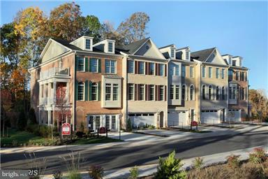 Townhouse for Sale at 7901 TURTLE CREEK Circle 7901 TURTLE CREEK Circle Gainesville, Virginia 20155 United States