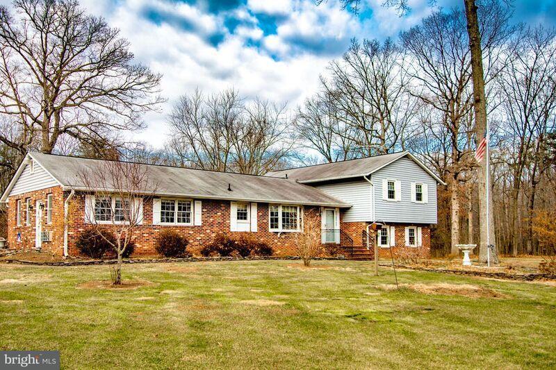 Villa per Vendita alle ore 4294 BROAD RUN CHURCH Road 4294 BROAD RUN CHURCH Road Warrenton, Virginia 20187 Stati Uniti