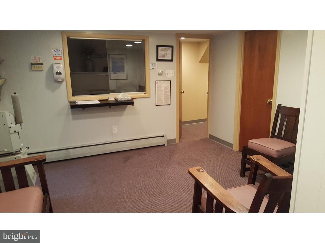 Additional photo for property listing at 601 WALNUT Lane  Philadelphia, Pennsylvania 19128 Estados Unidos