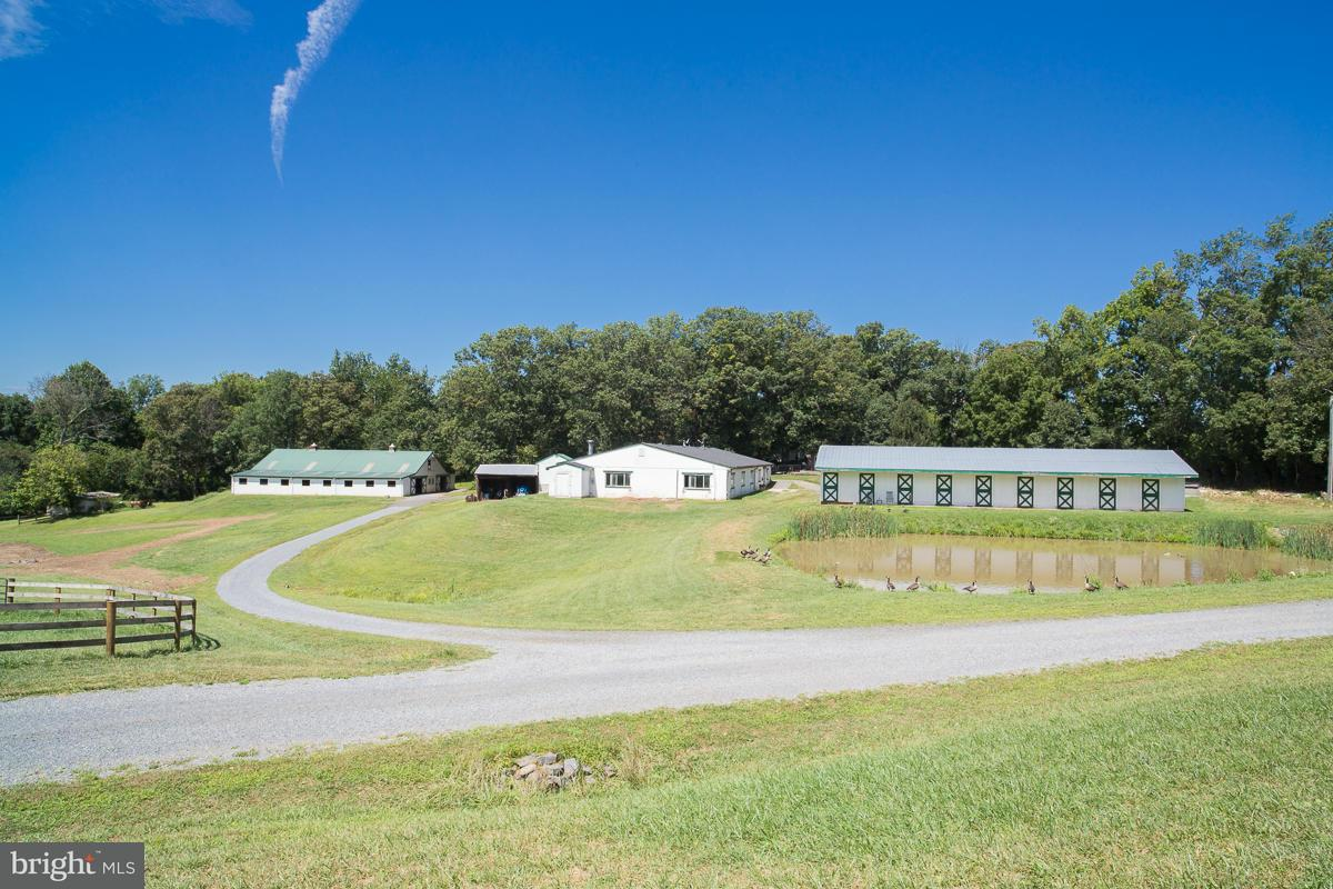 Single Family Home for Sale at 35485 MILLVILLE Road 35485 MILLVILLE Road Middleburg, Virginia 20117 United States