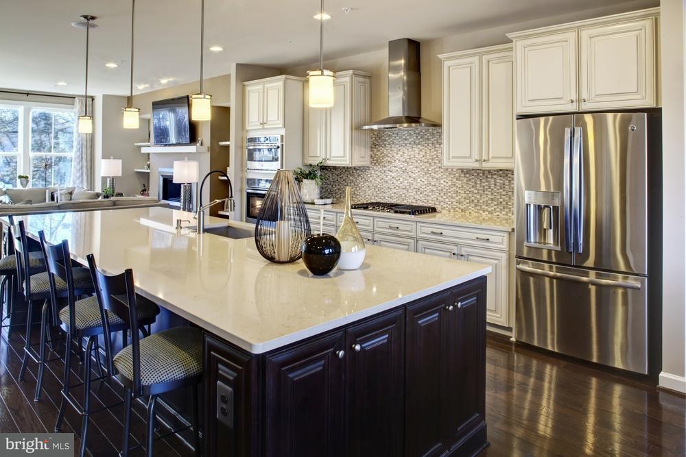 Additional photo for property listing at 5205 SOUTH CENTER Drive 5205 SOUTH CENTER Drive Greenbelt, Μεριλαντ 20770 Ηνωμενεσ Πολιτειεσ