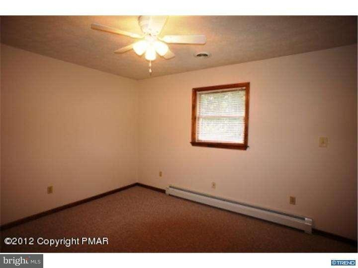 Additional photo for property listing at 913 WOODDALE Road  East Stroudsburg, Pennsylvanie 18302 États-Unis