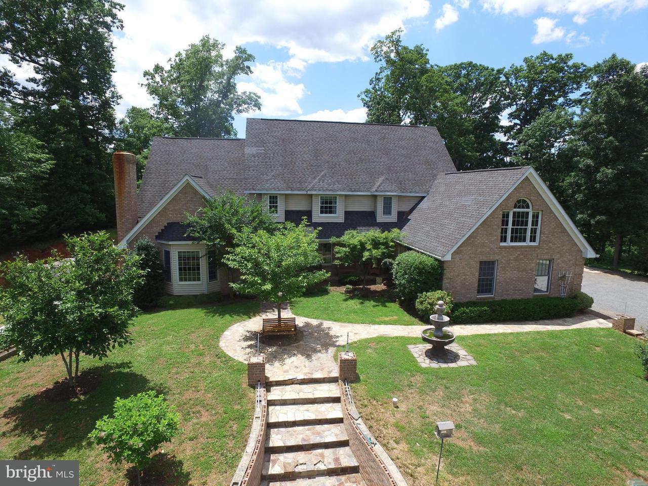 Casa Unifamiliar por un Venta en 10952 MOUNTAIN RUN LAKE Road 10952 MOUNTAIN RUN LAKE Road Culpeper, Virginia 22701 Estados Unidos