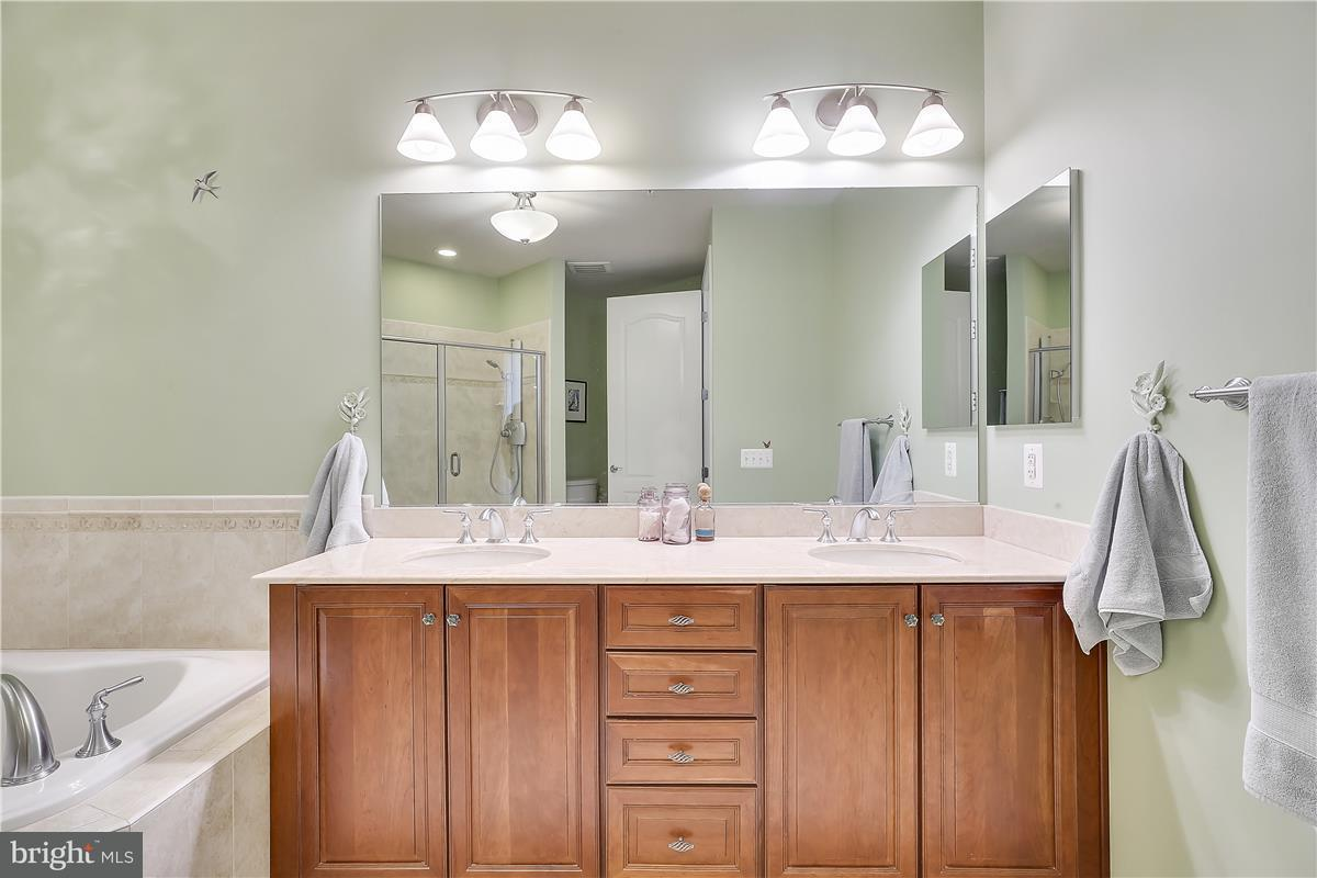 Additional photo for property listing at 1915 TOWNE CENTRE BLVD #812 1915 TOWNE CENTRE BLVD #812 Annapolis, Maryland 21401 United States