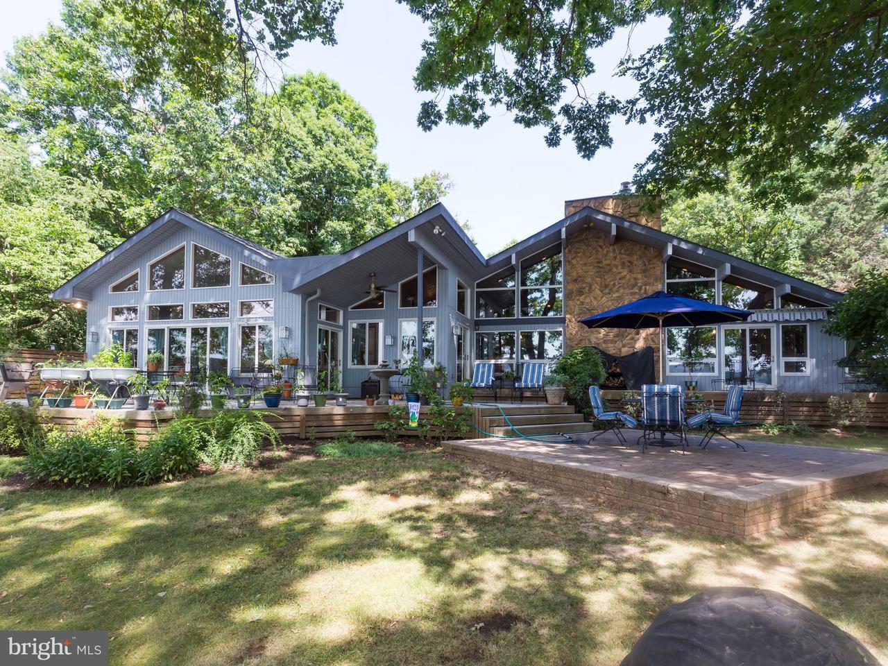 Casa Unifamiliar por un Venta en 114 SHADY COVE Lane 114 SHADY COVE Lane Stafford, Virginia 22554 Estados Unidos