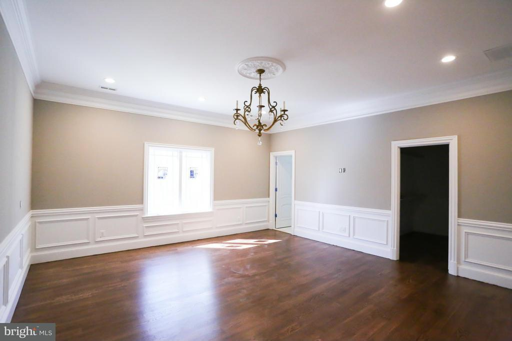Additional photo for property listing at 634 INNSBRUCK Avenue 634 INNSBRUCK Avenue Great Falls, Virginia 22066 United States