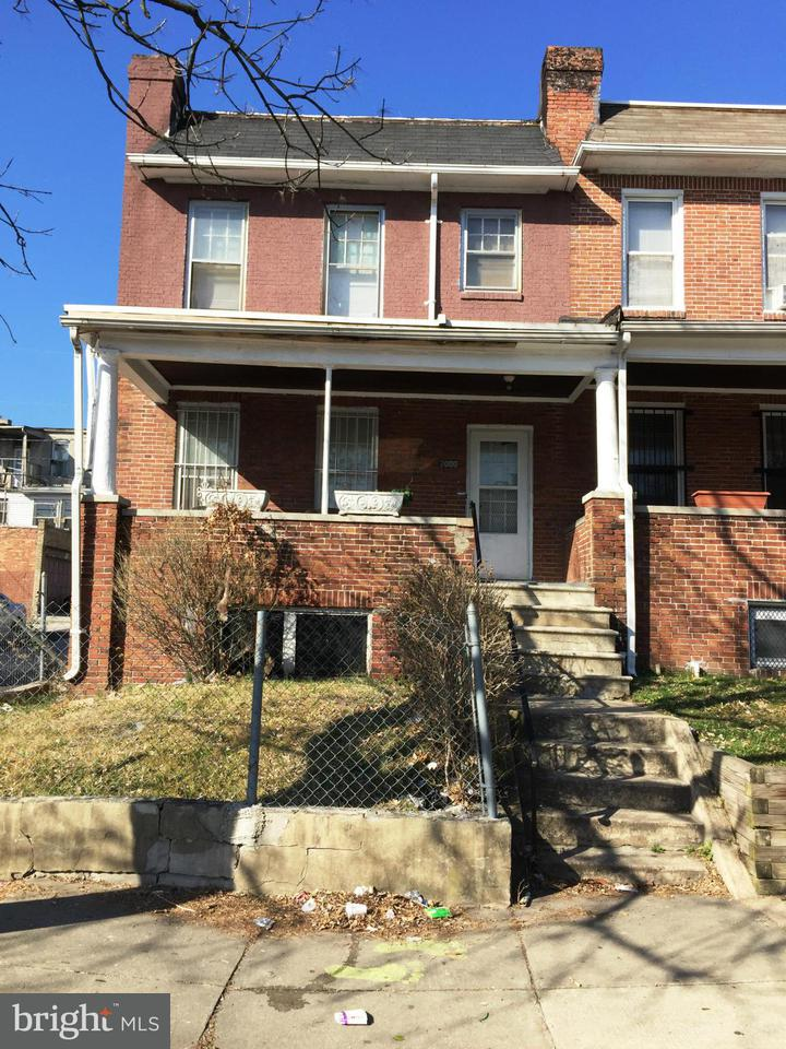Single Family for Sale at 2000 Bentalou St N Baltimore, Maryland 21216 United States