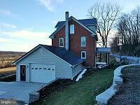 Casa Unifamiliar por un Venta en 232 HOOVER ROAD 232 HOOVER ROAD Bedford, Pennsylvania 15522 Estados Unidos