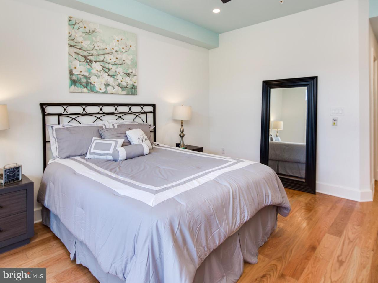 Additional photo for property listing at 1211 10th St NW #2  Washington, District Of Columbia 20001 United States