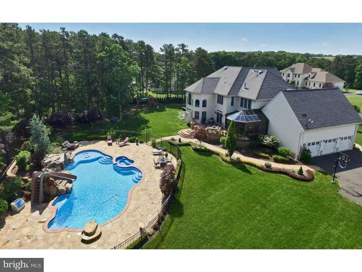 Additional photo for property listing at 8 APRIL Court  Monroe, Нью-Джерси 08831 Соединенные Штаты