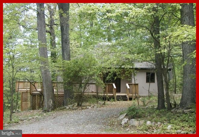 Single Family for Sale at 224 Chapman Ln Front Royal, Virginia 22630 United States