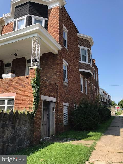Single Family for Sale at 810 Bentalou St Baltimore, Maryland 21216 United States