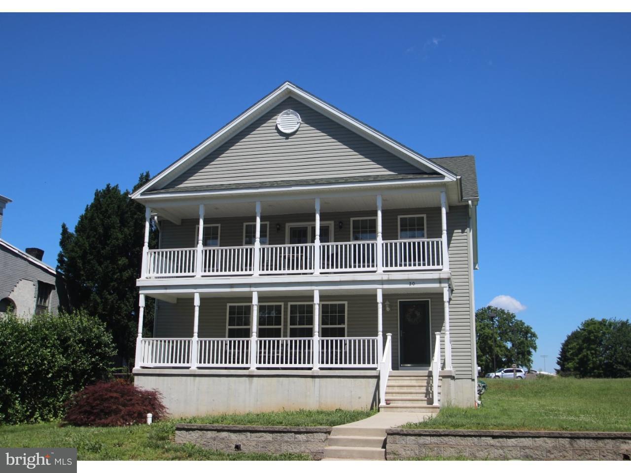 Частный односемейный дом для того Продажа на 20 E DELAWARE Avenue Marcus Hook, Пенсильвания 19061 Соединенные Штаты