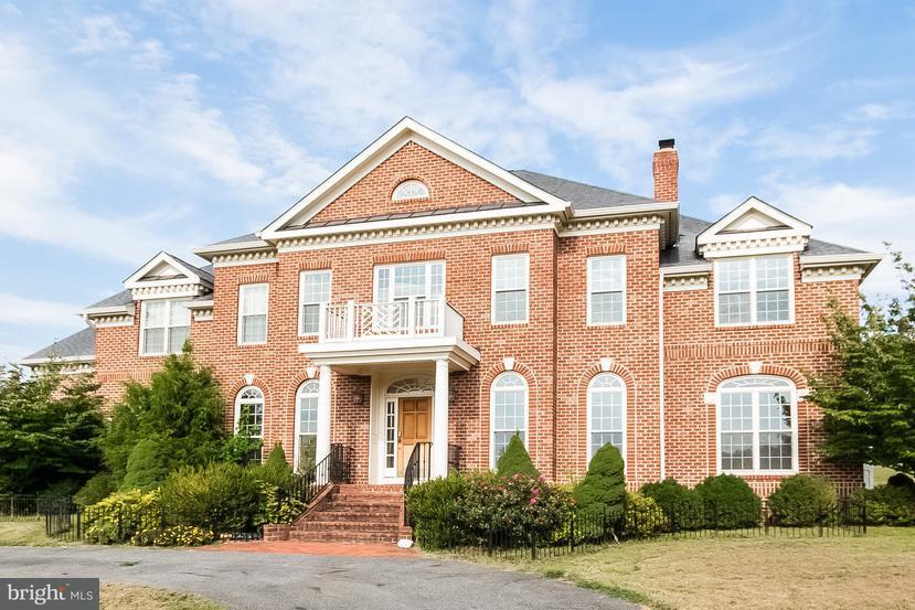 Single Family Home for Sale at 15305 MASONWOOD Drive 15305 MASONWOOD Drive Gaithersburg, Maryland 20878 United States