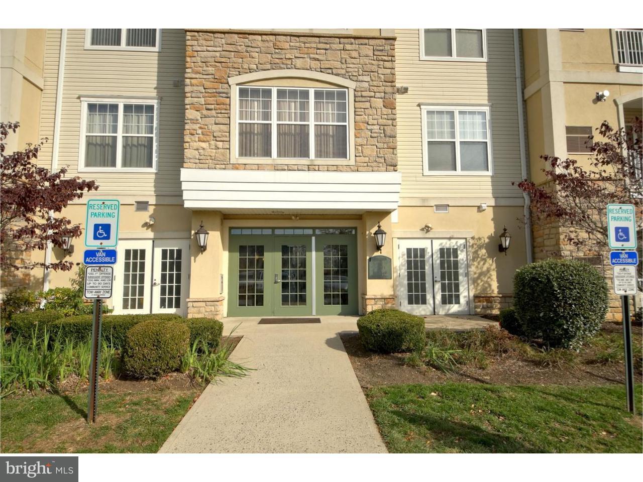 Appartement en copropriété pour l Vente à 312 MASTERSON Court Ewing, New Jersey 08618 États-UnisDans/Autour: Ewing Township