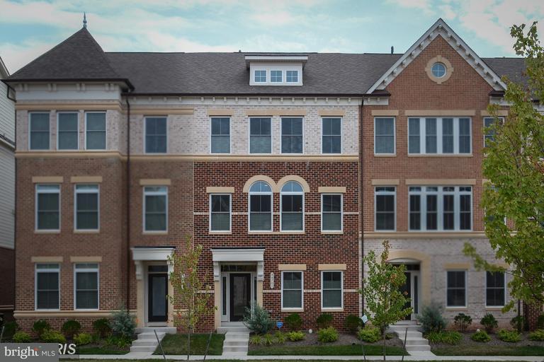 Townhouse for Sale at 44701 PLYMPTON SQ 44701 PLYMPTON SQ Ashburn, Virginia 20147 United States