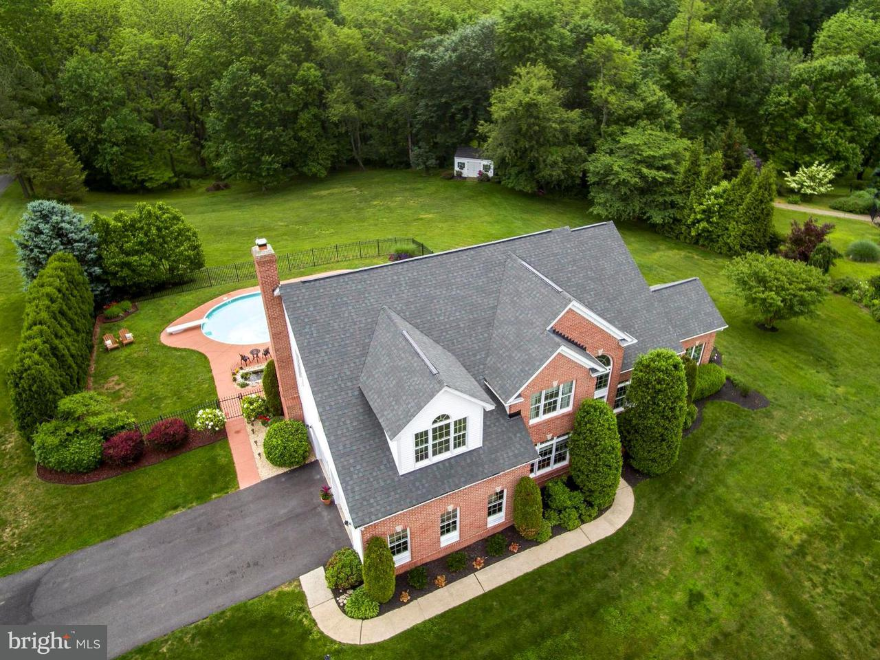 Частный односемейный дом для того Продажа на 1305 BROCKTON Drive 1305 BROCKTON Drive Eldersburg, Мэриленд 21784 Соединенные Штаты