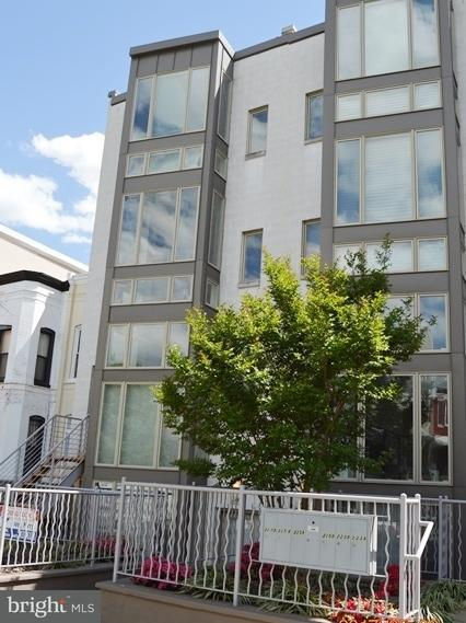 Single Family for Sale at 227 R St NE #a Washington, District Of Columbia 20002 United States