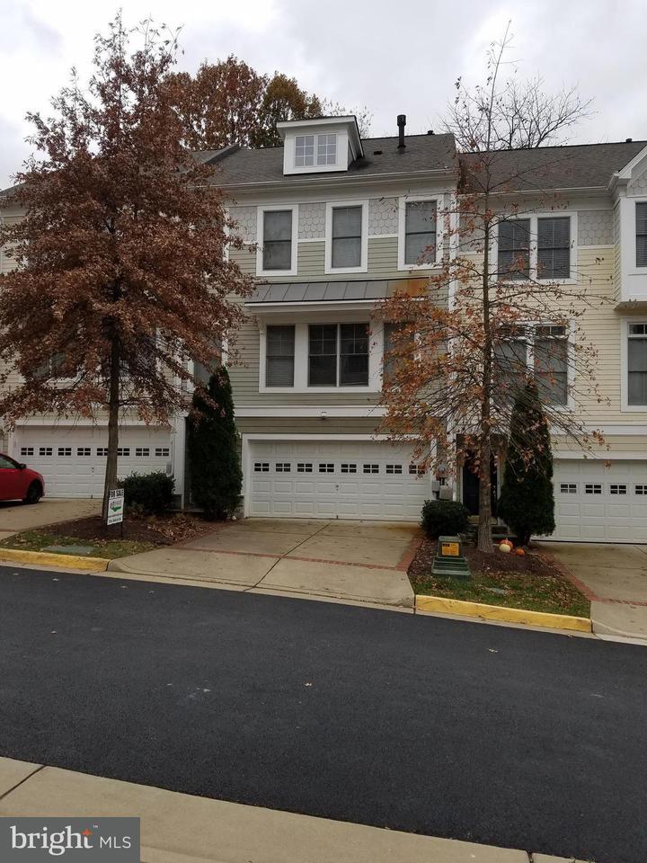 Σπίτι στην πόλη για την Πώληση στο 89 HERON Lane 89 HERON Lane Occoquan, Βιρτζινια 22125 Ηνωμενεσ Πολιτειεσ