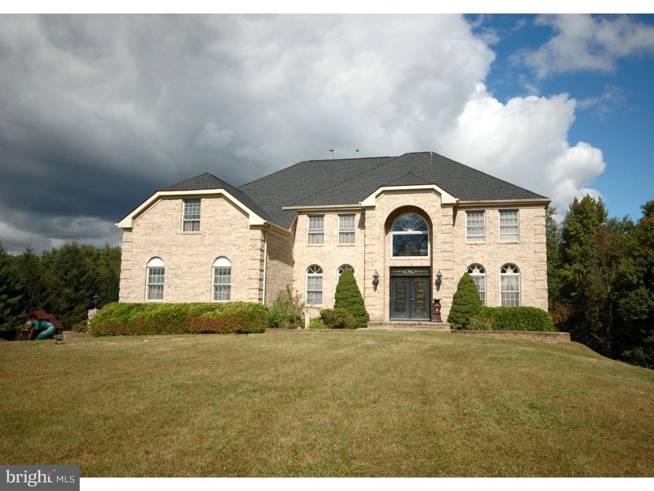 独户住宅 为 销售 在 2 YEGER Drive Allentown, 新泽西州 08501 美国在/周边: Upper Freehold Township