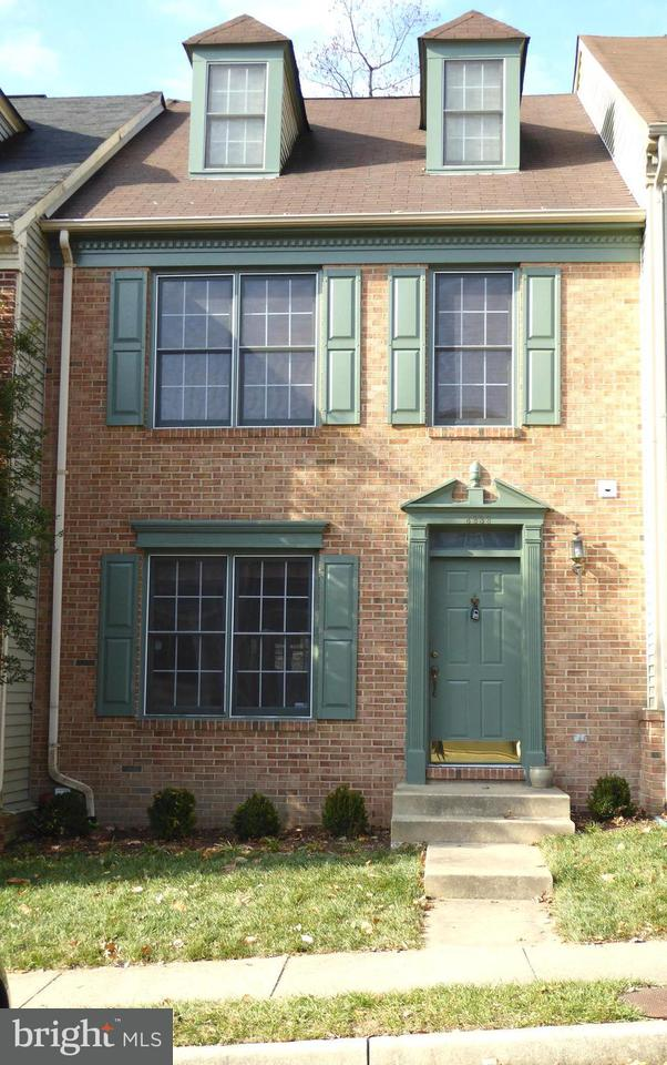 Townhouse for Sale at 8838 EAGLE ROCK Lane 8838 EAGLE ROCK Lane Springfield, Virginia 22153 United States