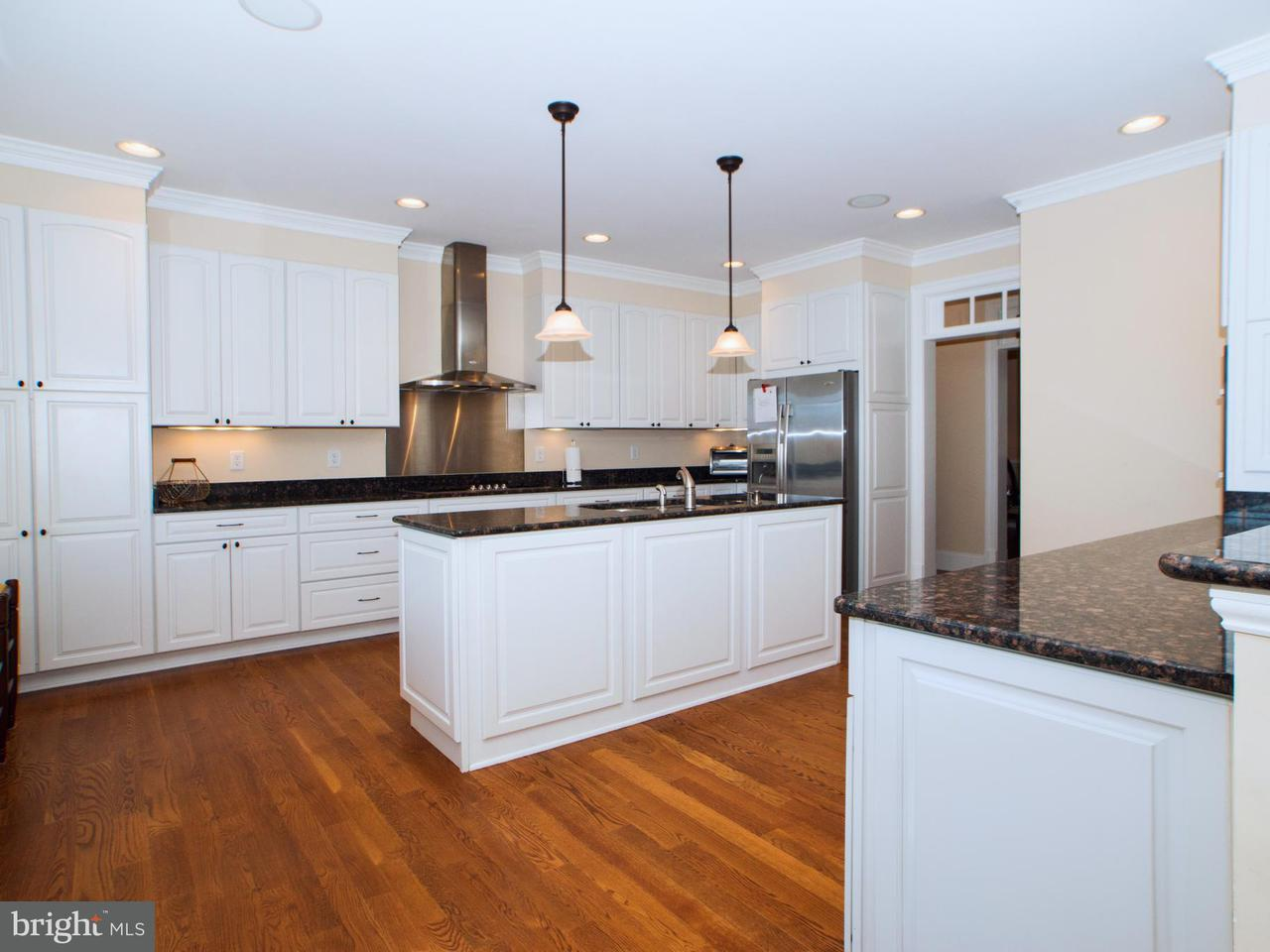Частный односемейный дом для того Продажа на 568 ARK Avenue 568 ARK Avenue Bumpass, Виргиния 23024 Соединенные Штаты