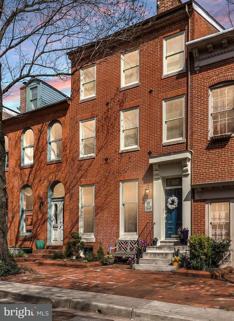 Single Family for Sale at 116 Lee St W Baltimore, Maryland 21201 United States