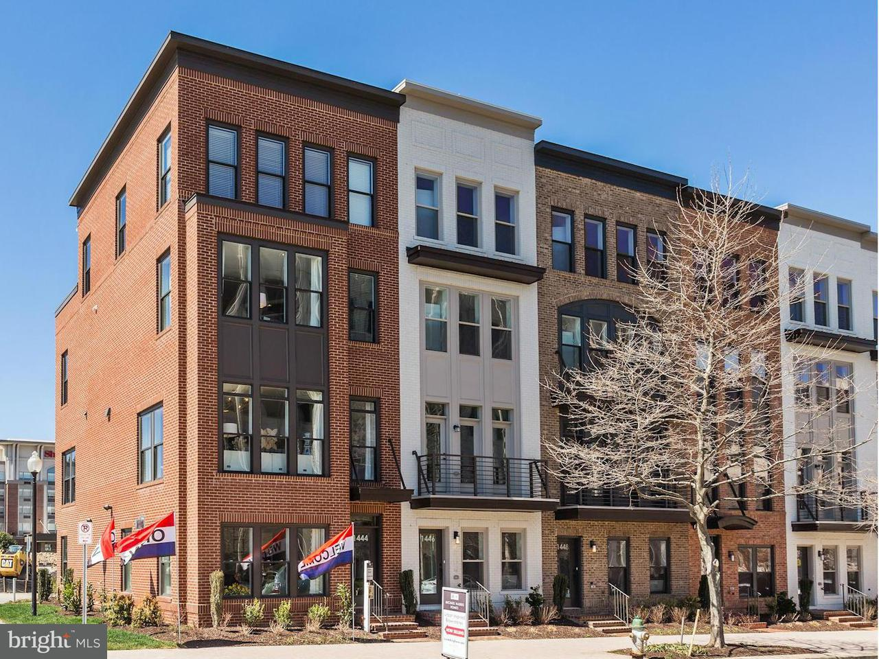 Townhouse for Sale at 918 W KING FARM Drive 918 W KING FARM Drive Rockville, Maryland 20850 United States