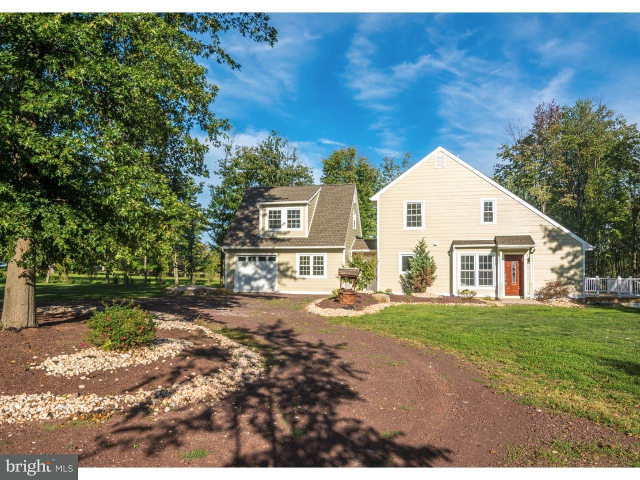 Частный односемейный дом для того Продажа на 2635 STONY GARDEN Road Kintnersville, Пенсильвания 18930 Соединенные Штаты