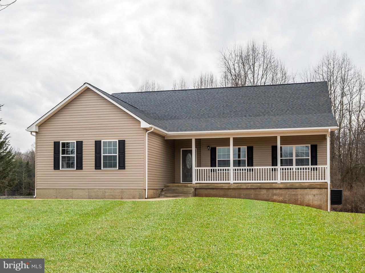 Villa per Vendita alle ore SUMERDUCK Road SUMERDUCK Road Sumerduck, Virginia 22742 Stati Uniti