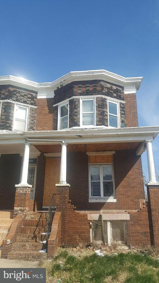 Single Family for Sale at 1901 N Wolfe St Baltimore, Maryland 21213 United States