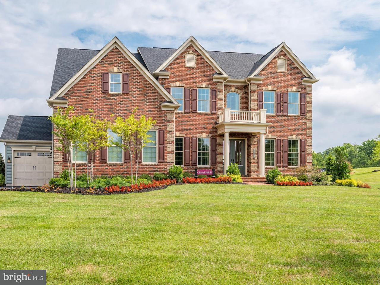 Частный односемейный дом для того Продажа на 11856 BOSCOBEL Court 11856 BOSCOBEL Court Herndon, Виргиния 20170 Соединенные Штаты