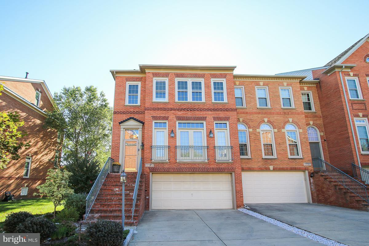 Townhouse for Sale at 13549 FLOWERFIELD Drive 13549 FLOWERFIELD Drive Potomac, Maryland 20854 United States