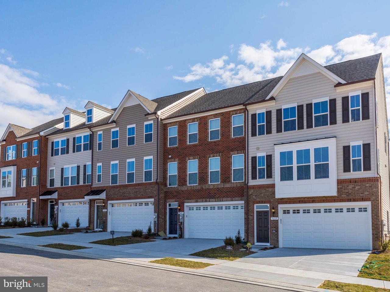 Maison accolée pour l Vente à 7606 HUBBLE DR #106D 7606 HUBBLE DR #106D Lanham, Maryland 20706 États-Unis