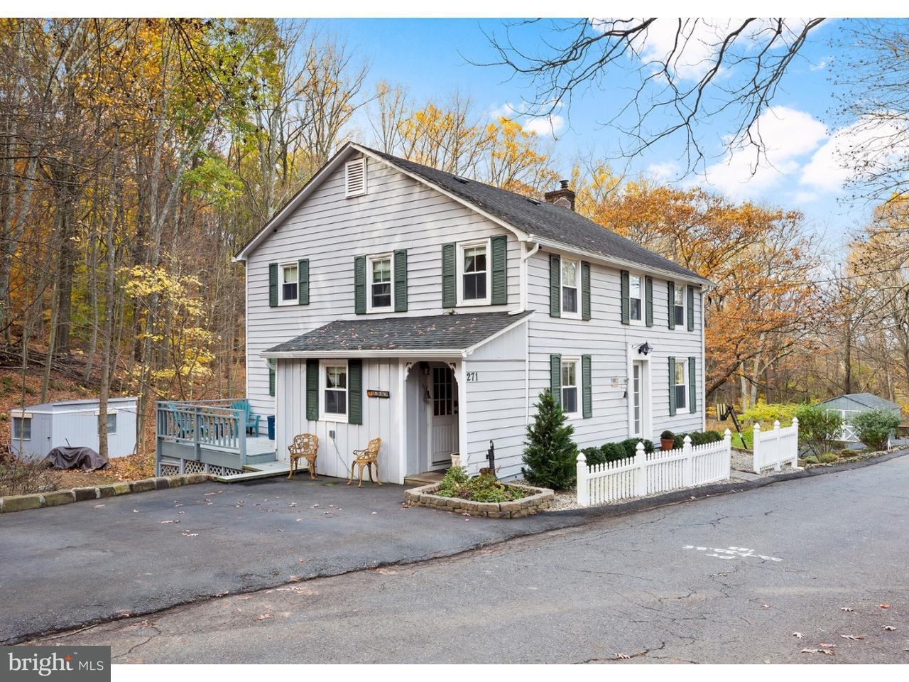 Maison unifamiliale pour l Vente à 271 STANTON MOUNTAIN Road Clinton Township, New Jersey 08833 États-Unis