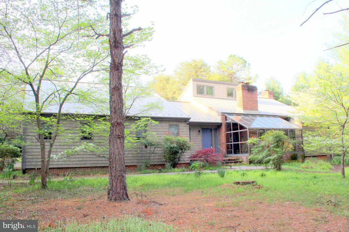 Single Family Home for Sale at 131 VIXEN XING 131 VIXEN XING Luray, Virginia 22835 United States