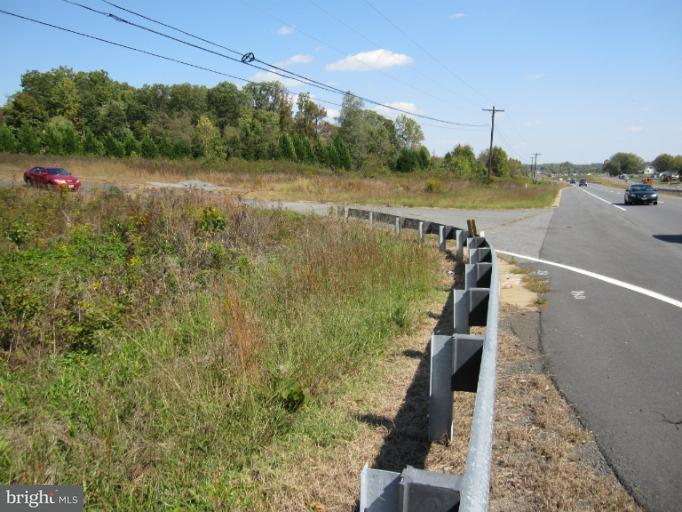 Terreno por un Venta en 10029 JAMES MONROE HWY 10029 JAMES MONROE HWY Culpeper, Virginia 22701 Estados Unidos