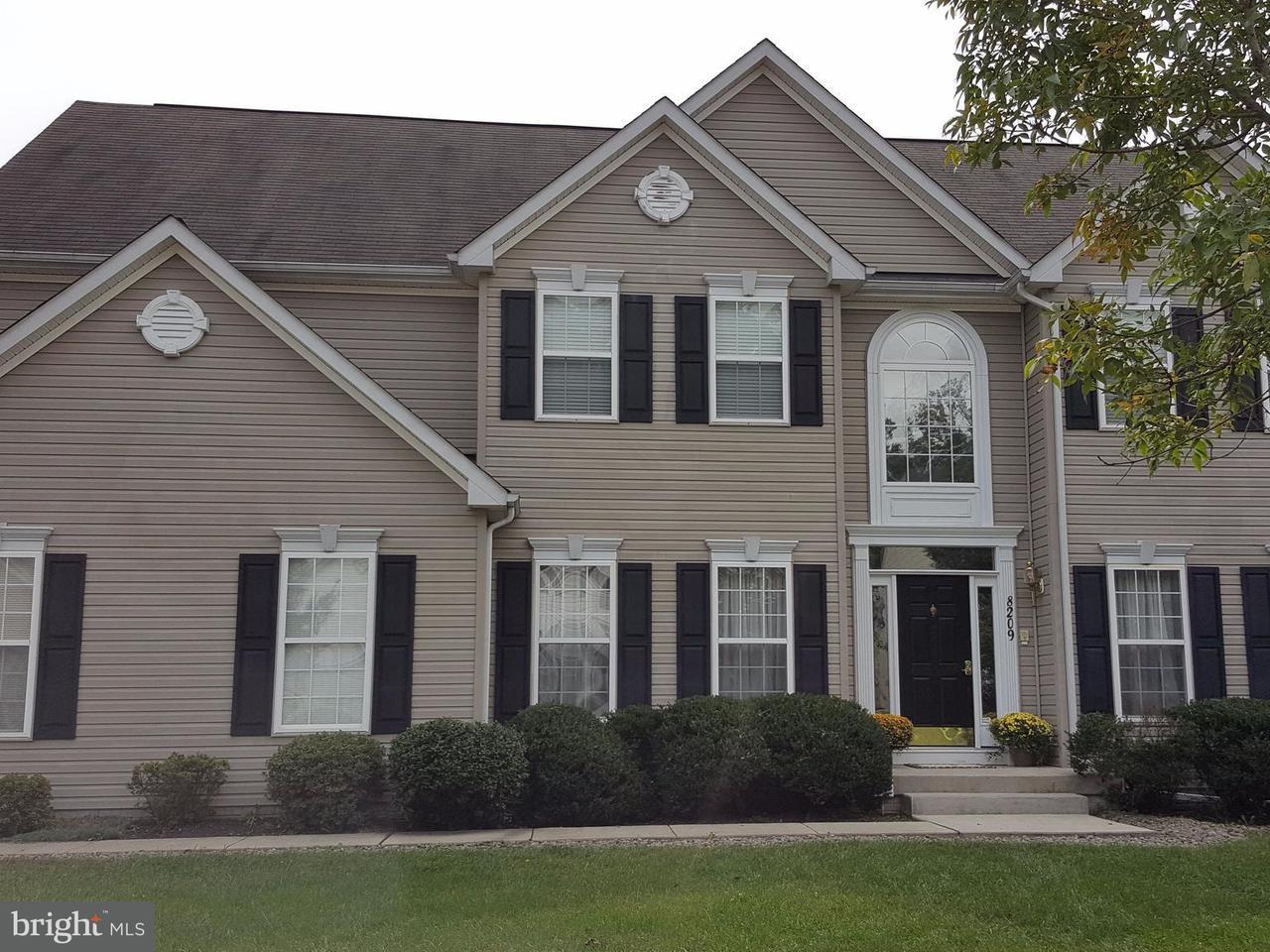 一戸建て のために 売買 アット 8209 WHITEBARK Lane 8209 WHITEBARK Lane Severn, メリーランド 21144 アメリカ合衆国