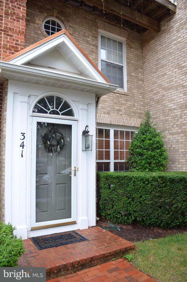 Townhouse for Sale at 341 PRETTYMAN DR #22 341 PRETTYMAN DR #22 Rockville, Maryland 20850 United States