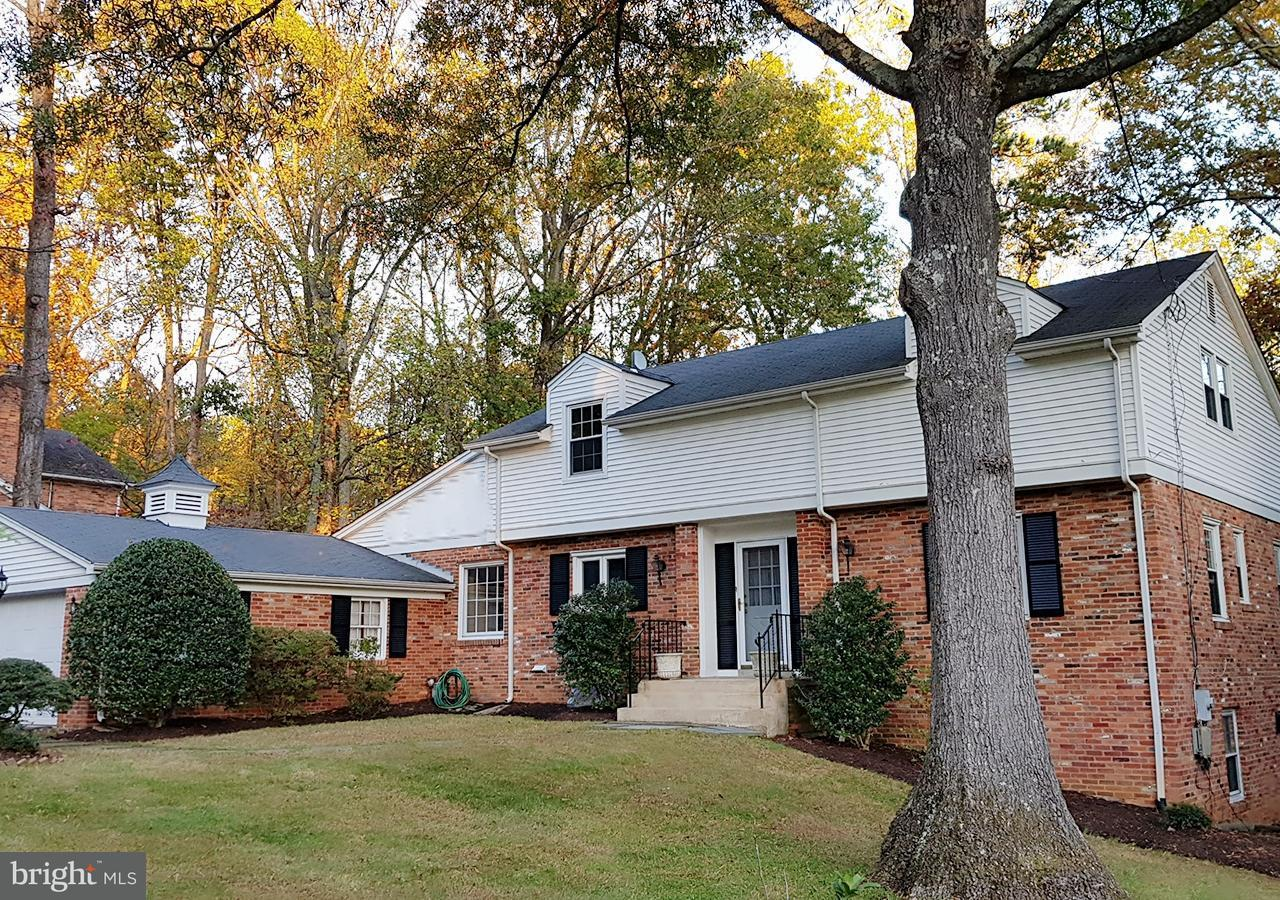 Single Family for Sale at 11211 Willowbrook Dr Potomac, Maryland 20854 United States