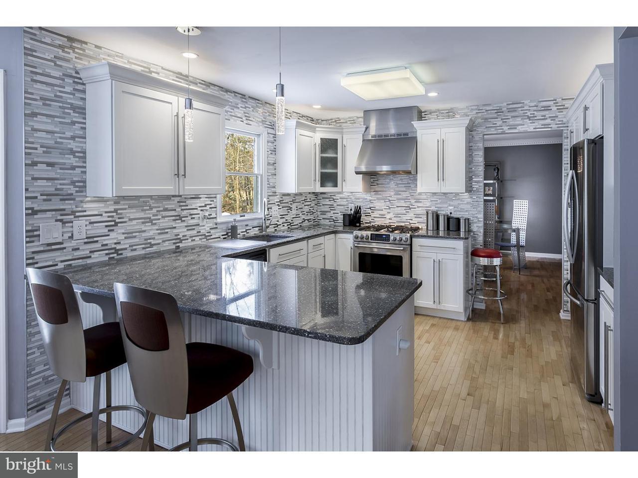 独户住宅 为 销售 在 13 CONSTITUTION Drive Southampton, 新泽西州 08088 美国