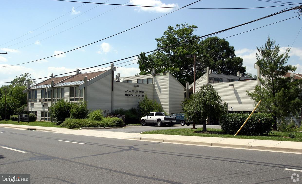 Commercial for Sale at 5632 Annapolis Rd #14 Bladensburg, Maryland 20710 United States