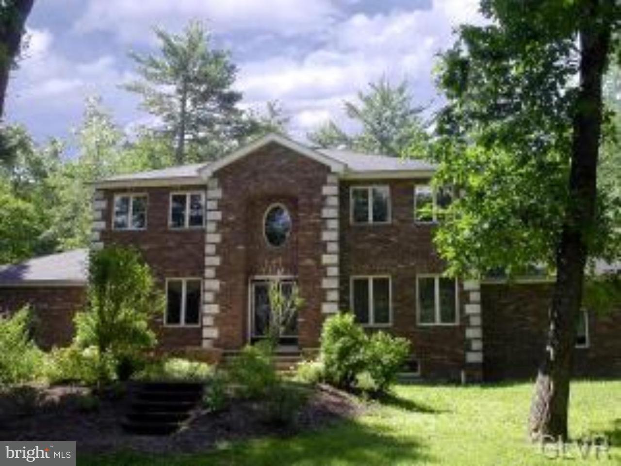 独户住宅 为 销售 在 3027 HEMLOCK Road Stroudsburg, 宾夕法尼亚州 18360 美国