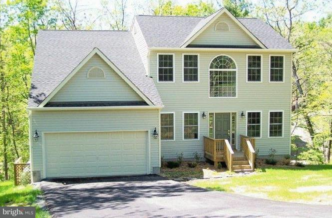 Single Family for Sale at 521 Lakeview Dr Cross Junction, Virginia 22625 United States