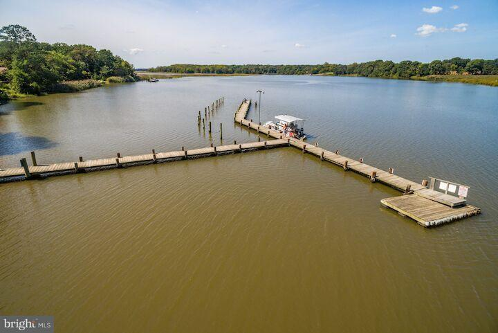 Additional photo for property listing at 500 DOUBLE CREEK POINT Road 500 DOUBLE CREEK POINT Road Chestertown, Maryland 21620 Estados Unidos